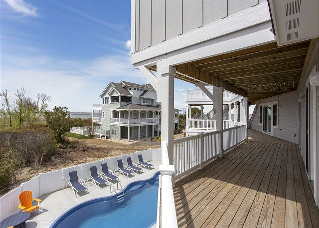 outer banks vacation rental balcony view