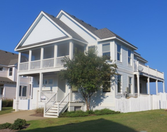 Blue-Eyed Lookout Vacation Rental in the OBX
