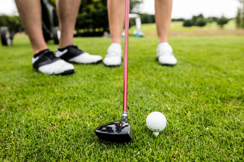 golf ball, golf club on golf course